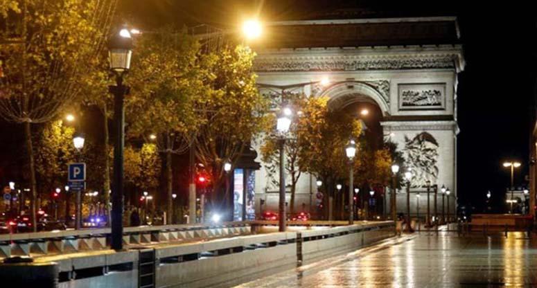 ফ্রান্সে কারফিউ জারি, পরিস্থিতি 'উদ্বেগজনক'