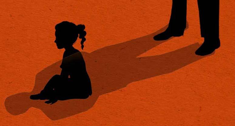 বড় মেয়ের চিকিৎসার জন্য ছোট মেয়েকে বিক্রি